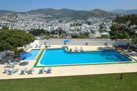 - The Best Life, Bodrum, Turcia